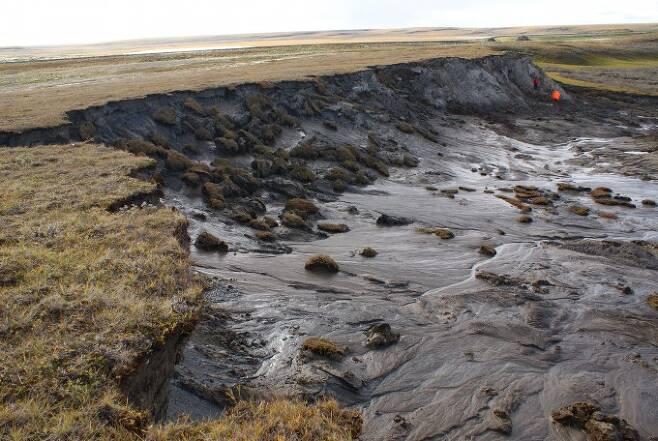 코로나에 몰두하는 사이에 착실히 나빠진 지구 기후 북극권 빙하·영구동토층 위기2.jpg