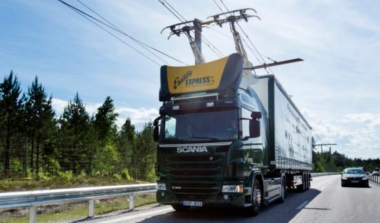 독일, 세계 최초 전기트럭 전용 고속도로 개통..10km구간 시범운영 개시.png