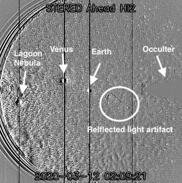 NASA 우주서 포착된 바퀴 모양 물체, UFO 아냐1.jpg