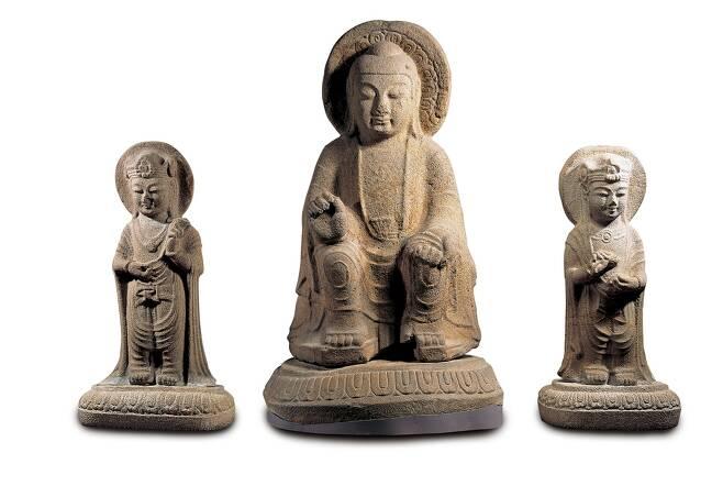 7세기 신라 '석조미륵여래삼존상' 등 불교유물 5건 보물 된다.jpg