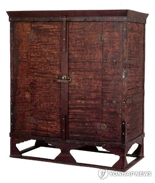 일본 왕실 보물창고에 있는 가구는 의자왕의 하사품일까1.jpg
